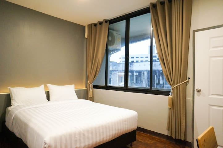 7#Lux Rooms Night Bazaar-Double Bed Studio Balcony