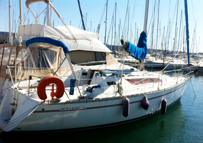 Maison sur l'eau : un bateau à quai à BANDOL (Var) - Bandol - Bateau