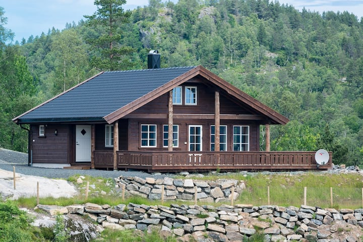 Hytte med nydelig utsikt. Cottage with nice views