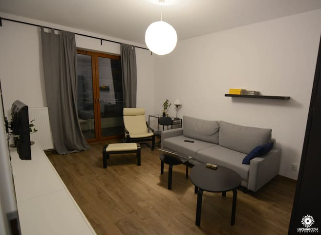 Spatious, modern apartment close to Old Town - Kraków - Apartemen