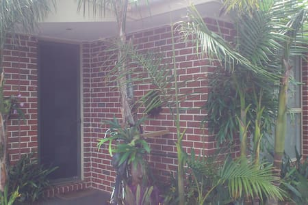 Private room with ensuite and walk in robe. - Carrum