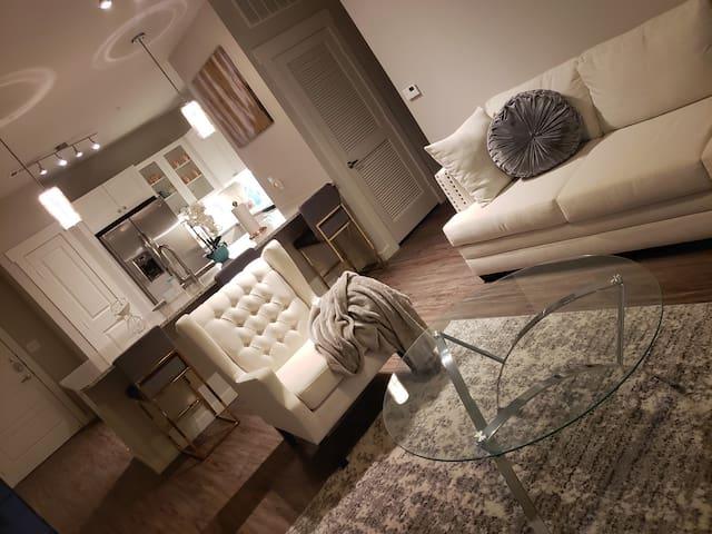 Retreat to a Cozy Stylish Modern Apartment