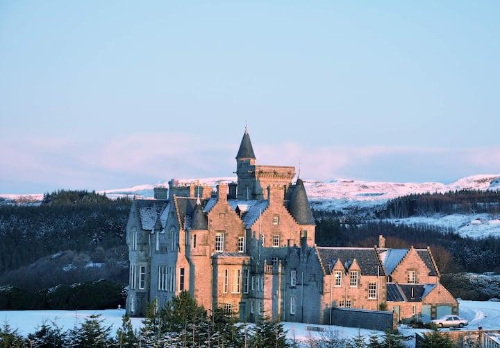 Glengorm Castle: Laorin