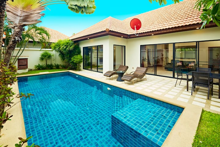 Jomtien  Villa 200 mt from beach!! - Pattaya - House