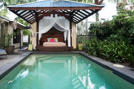 CAIRNS - TROPICAL RETREAT - White Rock - 一軒家