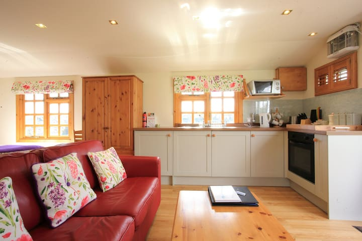 Self cater Rural Romantic Hideaway for Two - Stirling  - Chalet