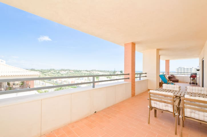 Penthouse Apartment Albufeira 1bed - Albufeira - Flat