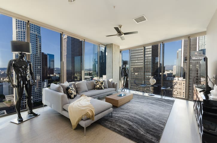 URBAN DTLA TOP LEVEL PENTHOUSE + 4 BEDS