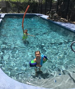 Spacious Family-friendly Home Large Saltwater Pool