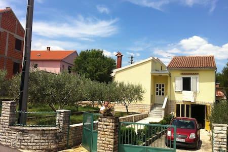 Dalmatian vacation house Zadar Zara - House
