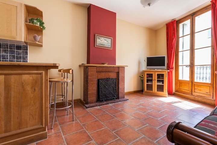 I bed Appartment in old Vigneronne - Servian - Apartament