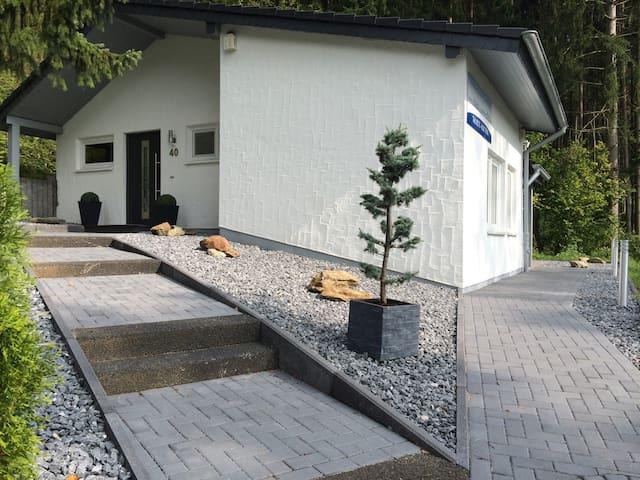 """Landhaus """"Anita"""" am Stausee Bitburg - Biersdorf am See - House"""