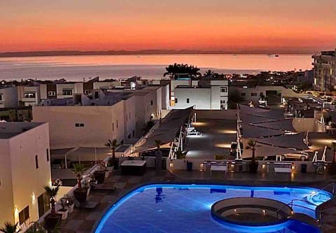 Enjoy the most astonishing sunsets in La Paz BCS.