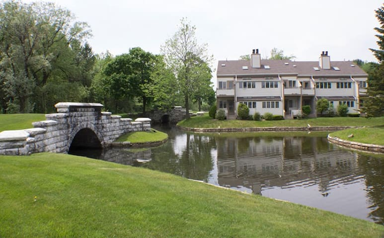Beautiful timeshare nestled in the Berkshires - Lenox - Devremülk