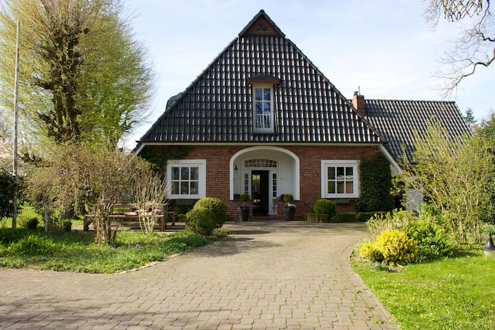 Großes Haus im Grünen bei Bremen - Ritterhude