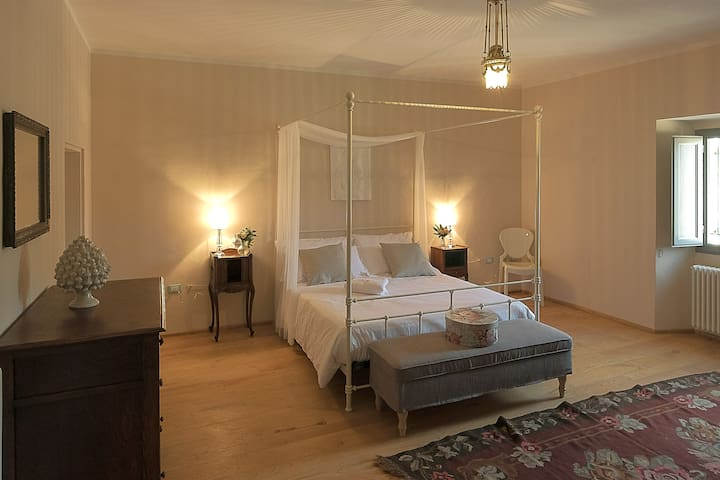 Palazzo Mattei B&B - Camera Isotta - Novafeltria - Bed & Breakfast