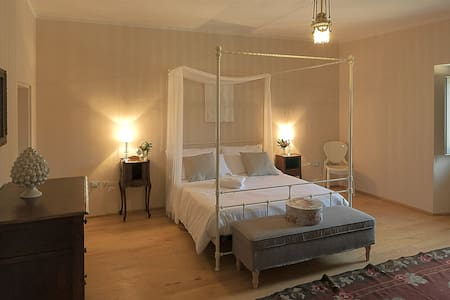 Palazzo Mattei B&B - Camera Isotta - Bed & Breakfast