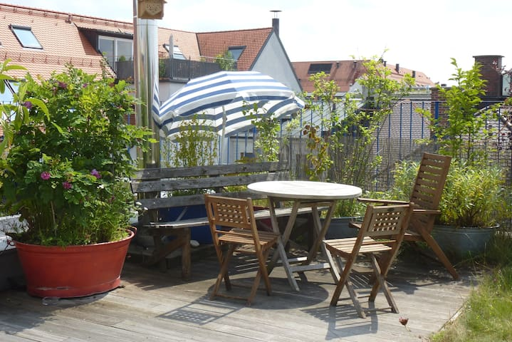 sunny Penthouse & roofgarden, quiet in citycenter - München - Apartment