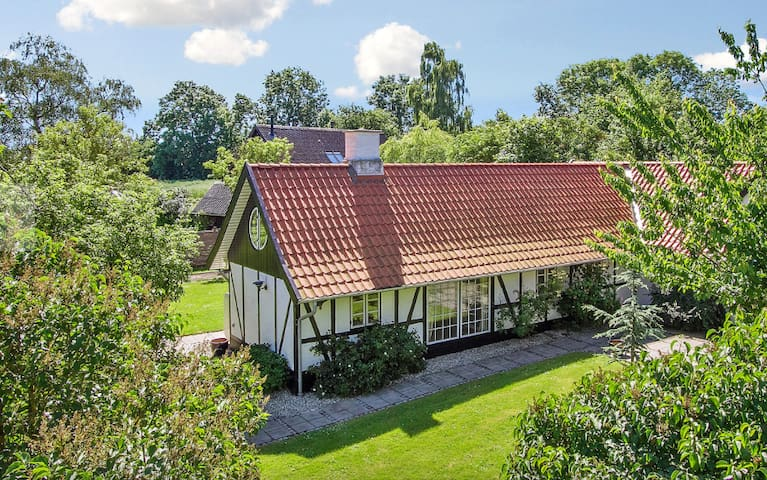 Beautiful 4 bedroom house for rent - Kvistgård