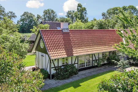 Beautiful 4 bedroom house for rent - Kvistgård - 一軒家
