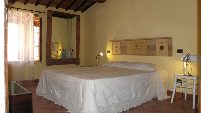 28KM to Siena charming apartment