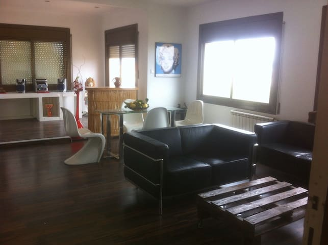 Modern apartment close to Barcelon and the circuit - Granollers - Wohnung