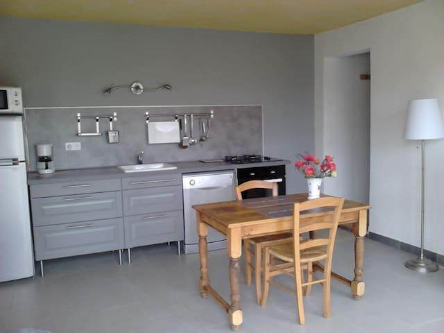 Location saisonnière meublée - Valensole - Apartamento