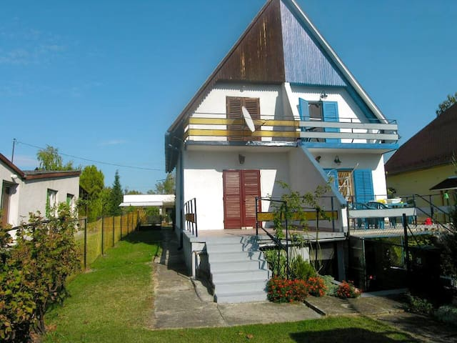 House for 6 persons - dog welcome R18833