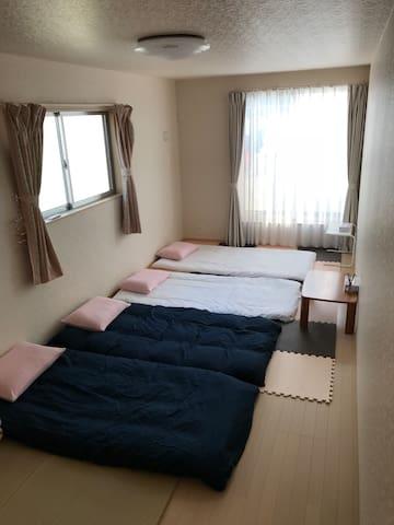 雨点儿小屋—五人地板床垫