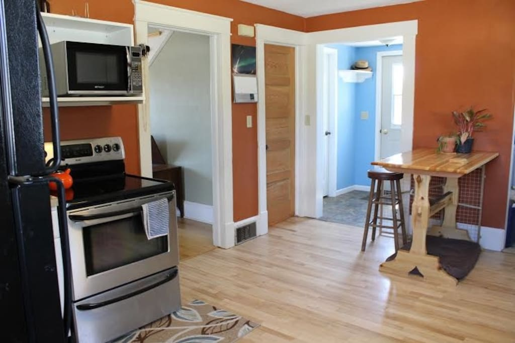 Fully stocked kitchen with everything you need, newer appliances. Cozy and bright!