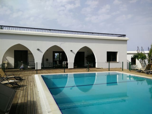 3 bedroom villa in big garden. - Girne Kyrenia  - Casa