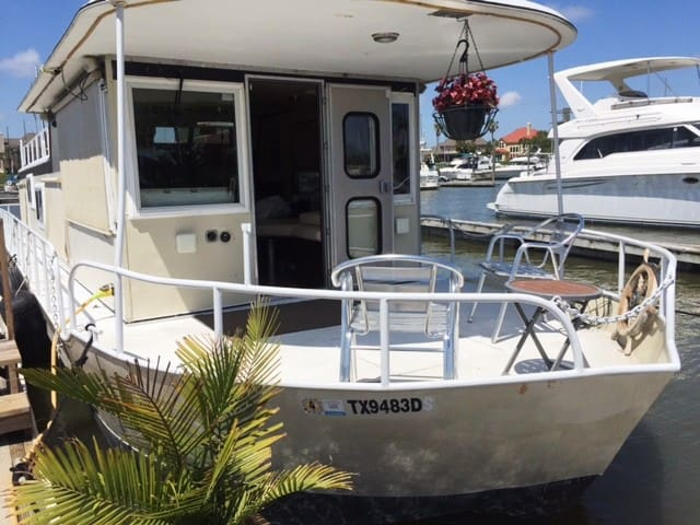 Fully equipped 52' Houseboat - Kemah - Boat