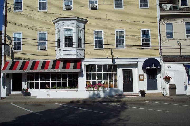 The Suite Inn of Historic Wolfeboro