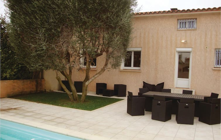 Holiday cottage with 4 bedrooms on 140 m² in Espira de l'Agly
