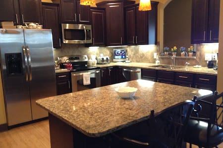 Riewer Villa - Omaha