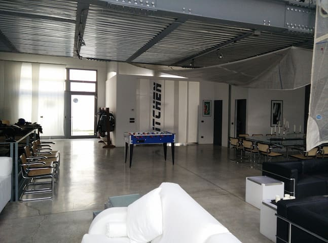 Loft with garden on Naviglio Grande