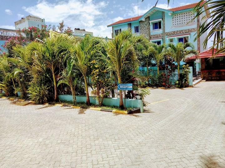 CHAMIACHI HOTEL - TWIN ROOM