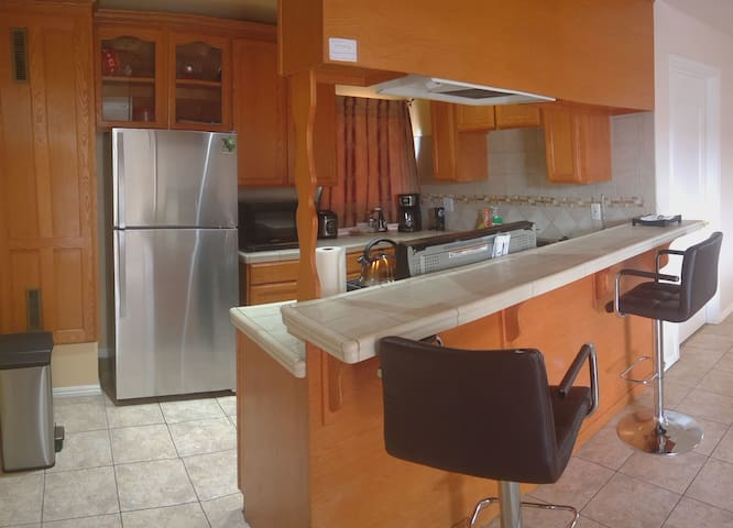 Large Two Bedroom Apartment- Extended stays