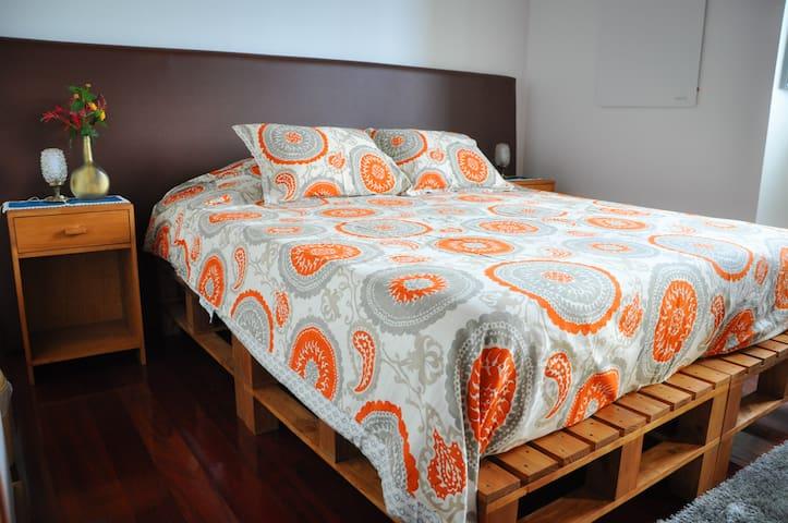 Orchard Retreat: Mountain Suite - Ponta Delgada - Bed & Breakfast