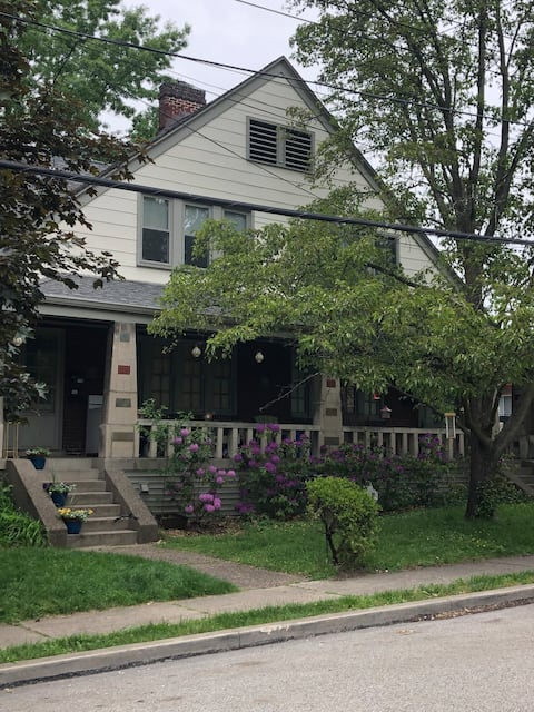 Huge Private Townhome!  Great location near PGH!