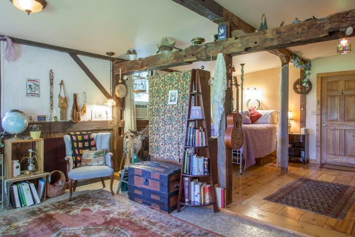 Amazing Grace B&B: The Artist Suite - Ithaca - Bed & Breakfast