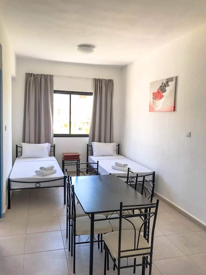 2 bedroom apartment in the center of Paphos