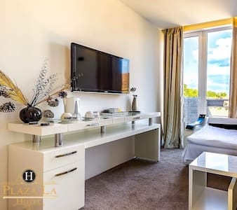 Plaza La Rooms - Laćarak - Szoba reggelivel