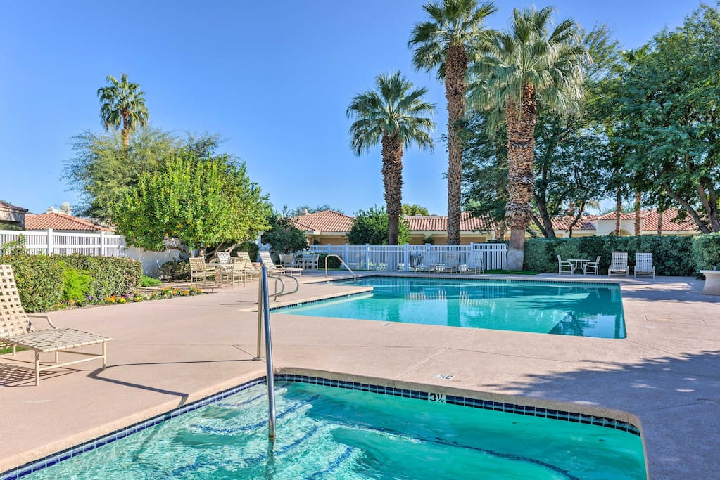 Enjoy access to the community pool and hot tub.