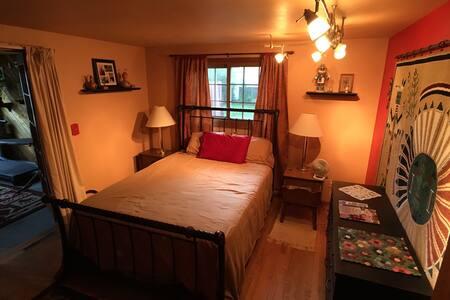 Annie's Parkside Master Bedroom