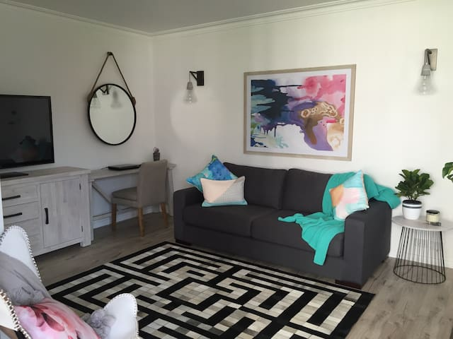 Modern New Apartment Coogee - Randwick - Apartmen