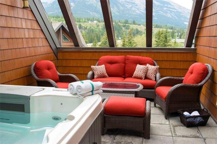 Amazing Penthouse-Private Hot Tub #3 of 5 (408)