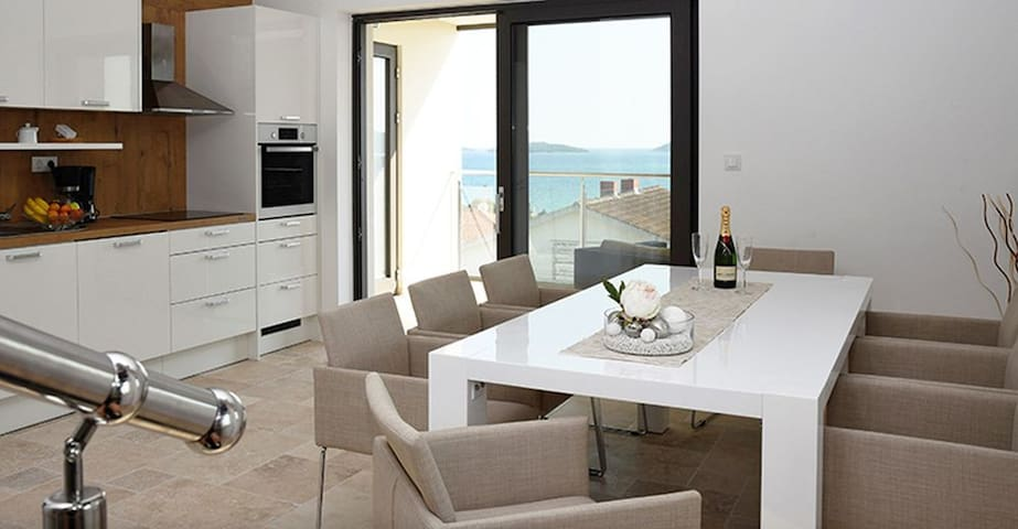 Spacious living room with great views of the sea