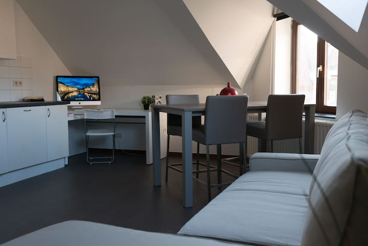 Modern flat that adapts to your needs (+2 bikes) - Gent - Lägenhet