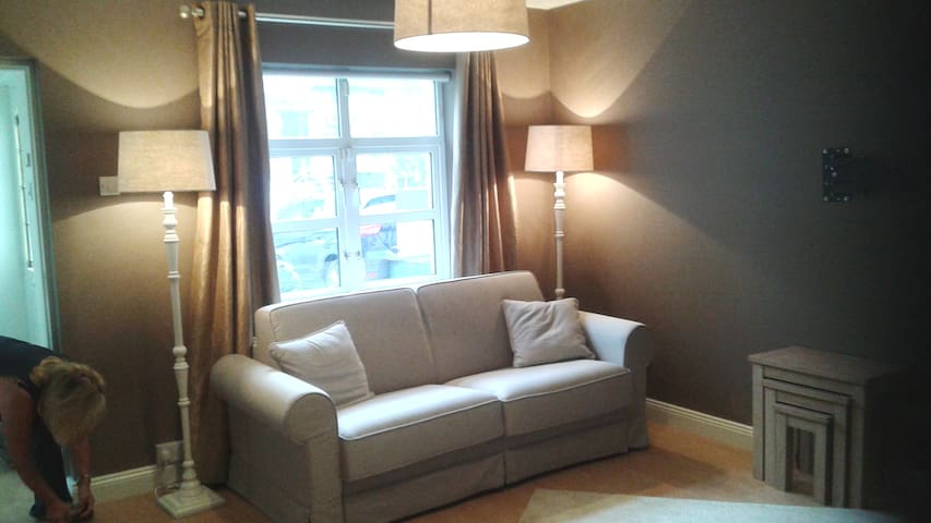 Luxury ground floor apartment in centre Malahide - Malahide - Departamento